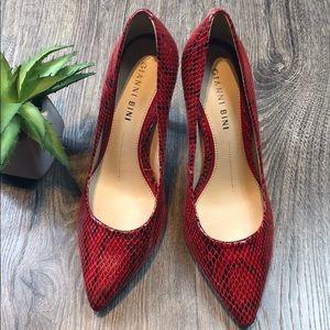 Red Snakeskin Leather Heels Pumps Gianni Bini